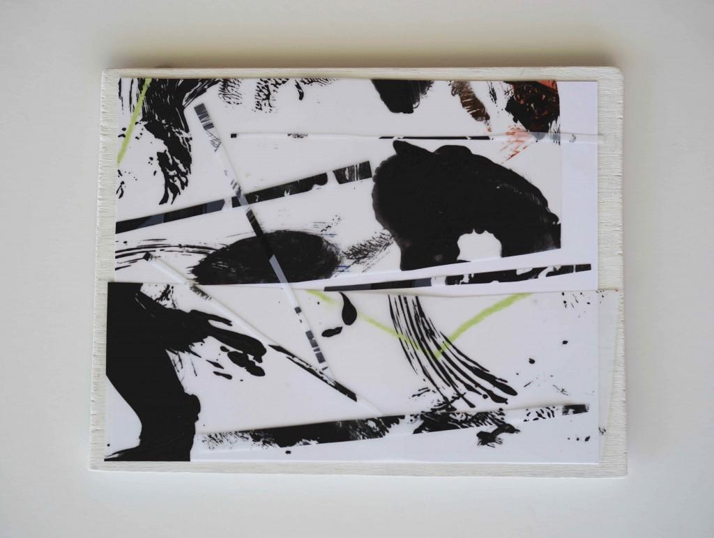 <i>Positif</i>, crayon, acrylique sur calque polyester, bristol, bois, 17x20cm, 2016