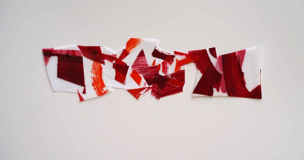 <i>Mini assemblage 19-12</i>, acrylique sur calque polyester, 15x52cm, 2019