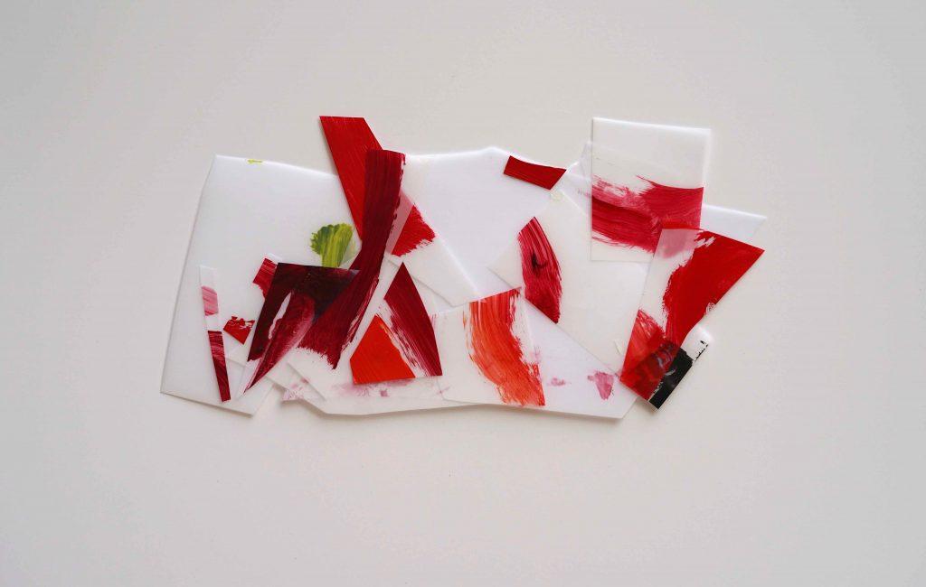 <i>Mini assemblage 19-9</i>, acrylique sur calque polyester, 17x31cm, 2019